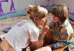 Emily (Kyra Sedgwick) liebt ihren Sohn Paul (Dominic Scott Kay) über alles