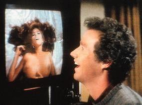 Marc McClure freut sich: Das ist ja meine Frau im  TV!