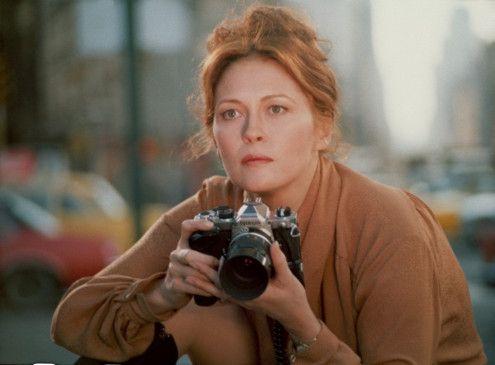 Modefotografin Laura (Faye Dunaway) gerät in eine mysteriöse Mordserie