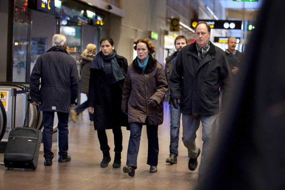Jenny Hultin (Irene Lindh, M.) und ihr Team wollen den Mörder unbedingt fassen