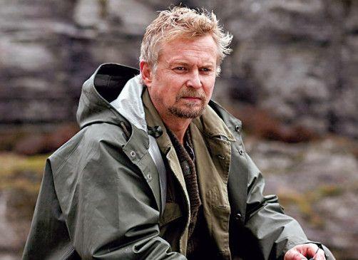 Betriebschef Hallvard Johnsen (Dennis Storhøi) hat etwas zu verbergen