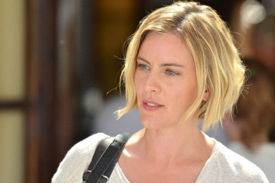 Reporterin Annika Bengtzon (Malin Crépin) ist dem Verbrechen auf der Spur