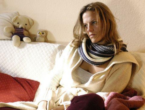 Maren (Janna Striebeck) wird verhört. Sie war von ihrem Ex-Mann völlig enttäuscht