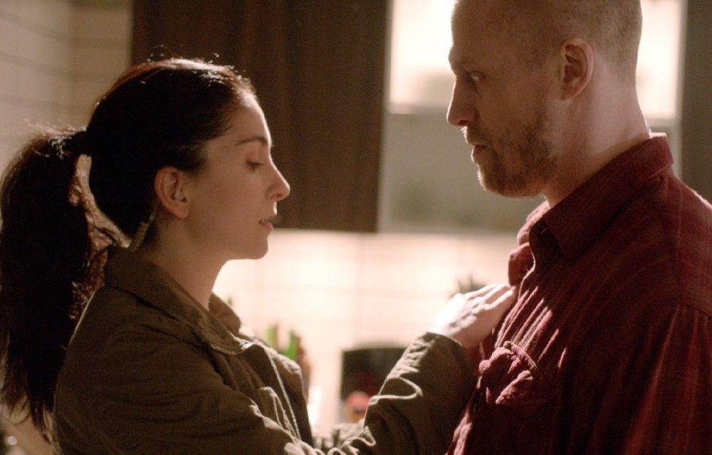 Ermittlerin Sophie Nordh (Melize Karlge) will den Gangster Seth Rydell (Jens Hultén) als GSI-Informanten gewinnen