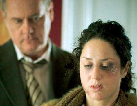 Beck (Peter Haber) und seine Zeugin (Sara Sommerfeld)