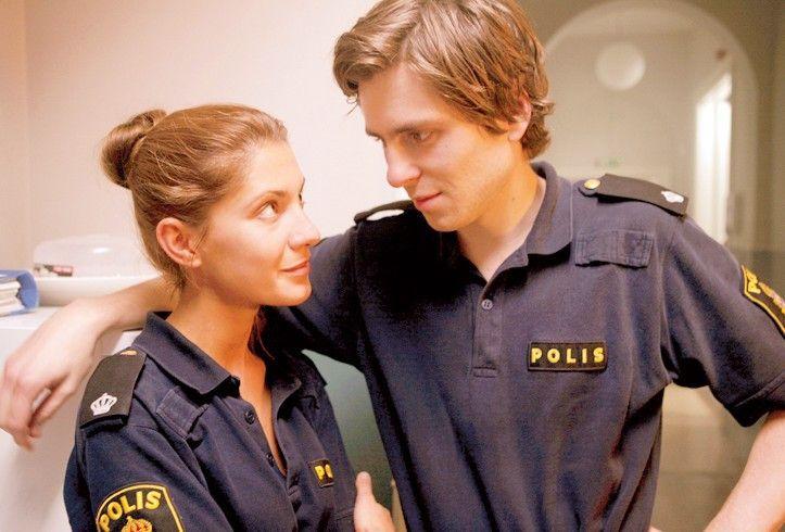 Polizeianwärter Pontus (Sverrir Gudnason) empfindet mehr für seine Kollegin Isabell (Nina Zanjani)
