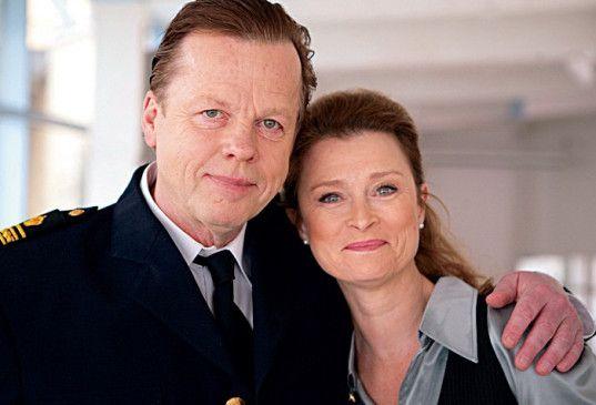 Sogar Zeit für den Polizeiball: Wallander (Krister Henriksson) mit Staatsanwältin Katarina Ahlsell (Lena Endre)