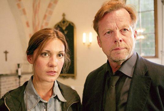 Die schöne Ermittlerin an Wallanders Seite: Nina Zanjani und Krister Henriksson
