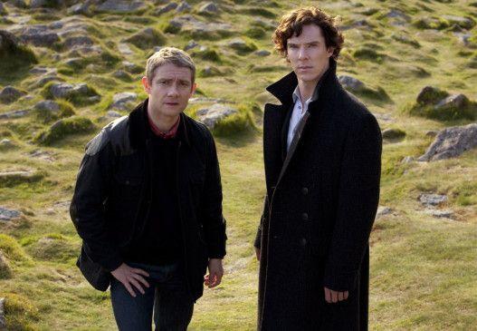 Holmes (Benedict Cumberbatch, r.) und Watson (Martin Freeman) sind einem Geheimnis auf der Spur