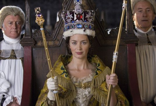 Jung gekrönt: Emily Blunt als Victoria