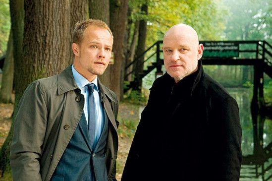 Panasch (Matthias Koeberlin) und Krüger (Christian Redl) ermitteln