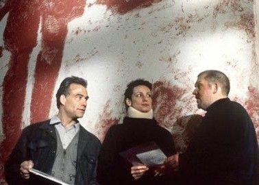 Die Kommissare vernehmen Anne Klee (Sabine Vitua)