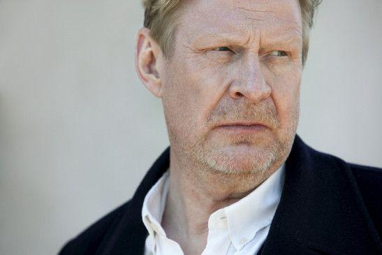 Sebastian Bergman (Rolf Lassgård) findet endlich wieder ins Leben zurück