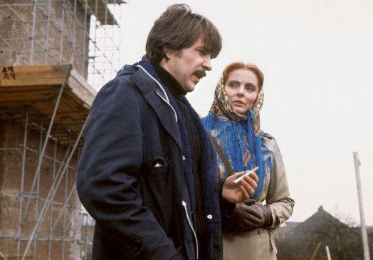 Ingenieur Seidel (Götz George) soll für Frau Breuke (Ruth-Maria Kubitschek) einen Detektiv engagieren