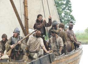 Auf in neue Welten: Colin Farrell (M.) als Captain John Smith