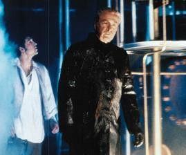 Ja, mein Unterseeboot ist schon hübsch - Michael Caine als Nemo bei einem Rundgang