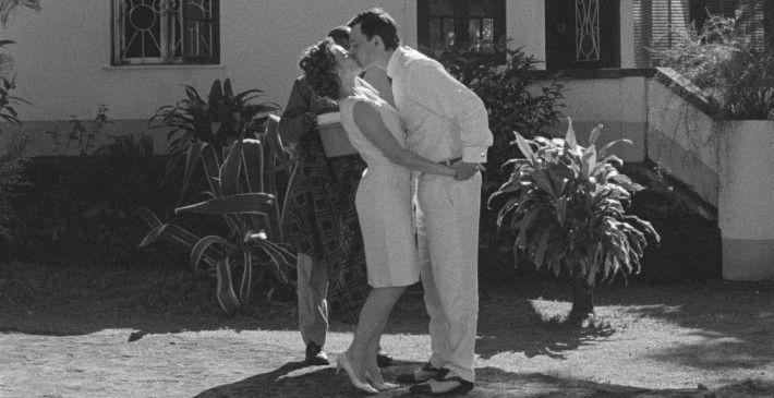 Liebe in der Fremde: Aurora (Ana Moreira) und   Ventura (Carloto Cotta)