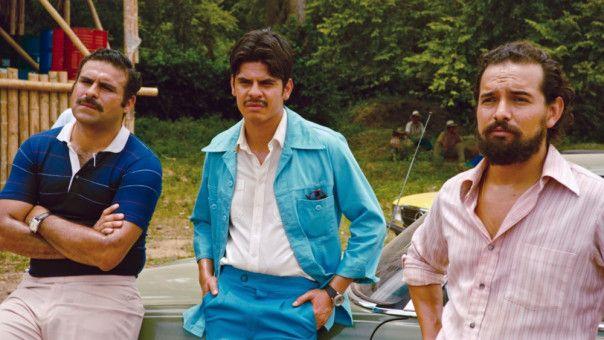 Barrys Flugkünste erregen die Aufmerksamkeit der kolumbianischen Drogenbarone, unter ihnen auch Pablo Escobar.