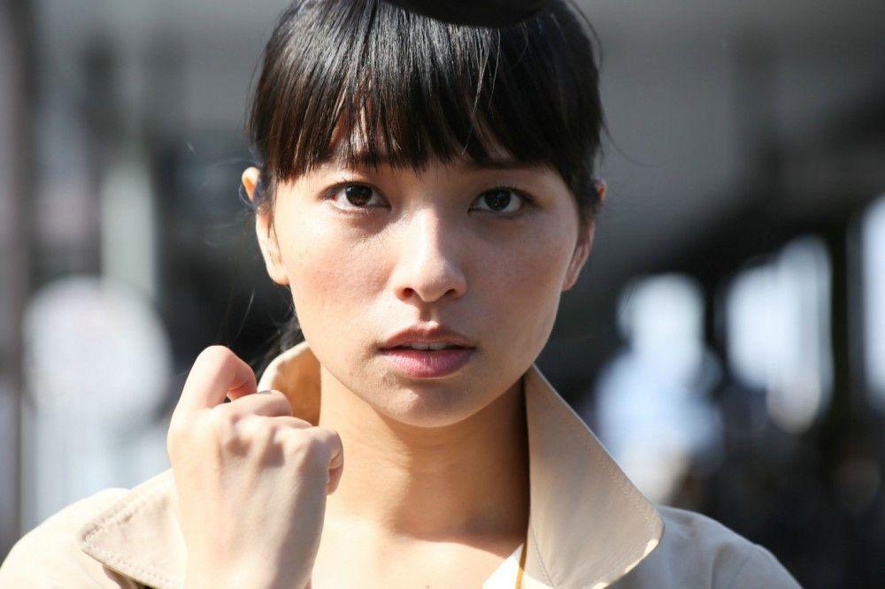 Misako (Ayame Misaki) möchte blinden Menschen mit ihren Audiodeskriptionen helfen.