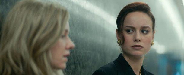 Nach einer Zufallsbegegnung mit ihrer Mutter denkt Jeannette (Brie Larson) wieder oft an ihre Kindheit.
