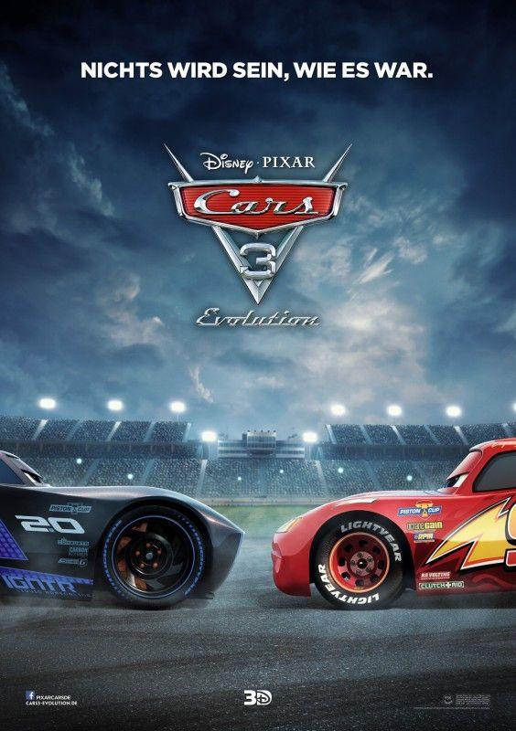 """Ehrenrunde vor der Rente: In """"Cars 3: Evolution"""" muss sich Lightning McQueen mit dem Ruhestand anfreunden."""