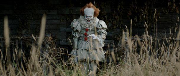 Tim Curry war gestern: Bill Skarsgård gelingt eine eigenständige Interpretation von Stephen Kings Vorzeige-Monster Pennywise.