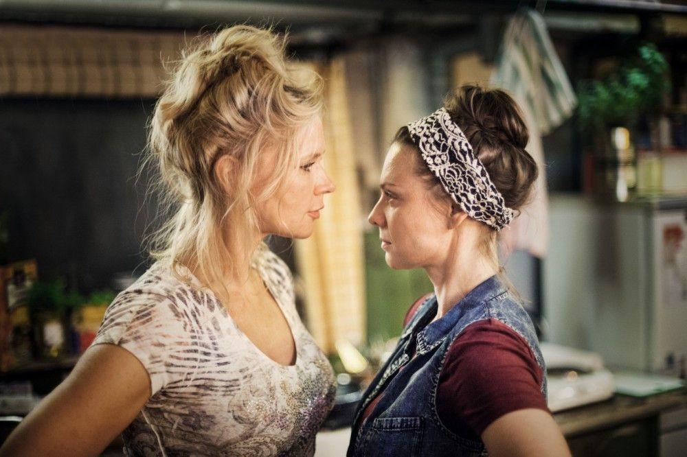 Culture Clash: Schlagerstar Linda (Veronica Ferres) und Putzfrau Justyna (Magdalena Boczarska) müssen miteinander auskommen.