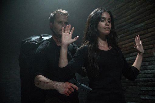 Annika (Shiva Negar) gerät in die Fänge feindlicher Agenten.