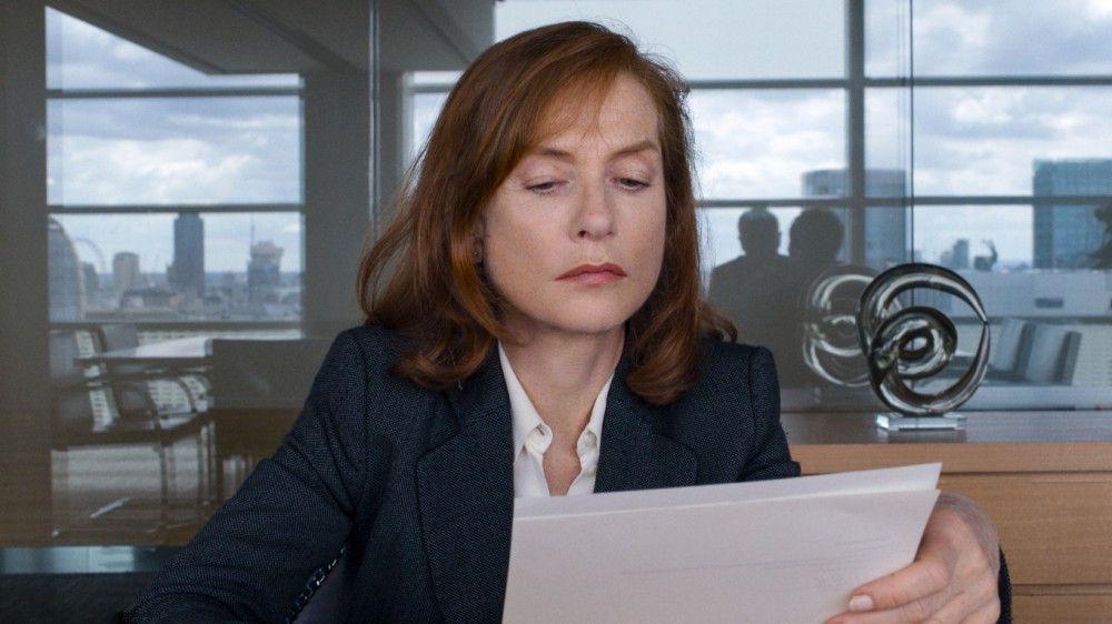 Isabelle Huppert spielt die taffe, unterkühlte Firmenchefin Anne.