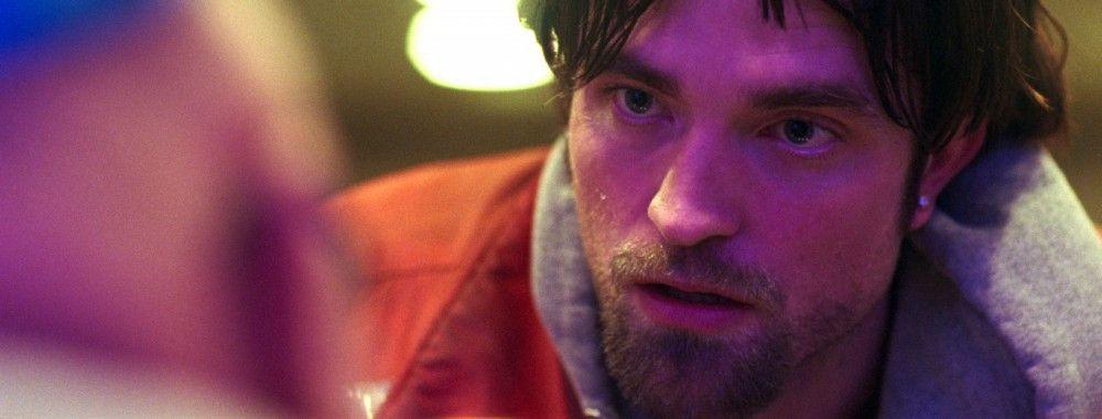 """Robert Pattinson lässt sein """"Twilight""""-Image mal wieder eindrucksvoll hinter sich."""