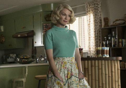 Nachdem Rose gestorben ist, zieht ihre Zwillingsschwester Margaret (Julianne Moore) ein.