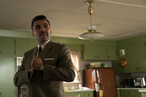 Der Versicherungsdetektiv Bud Cooper (Oscar Isaac) sucht nach der Wahrheit.