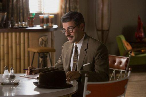 Cooper (Oscar Isaac) untersucht den Tod von Rose Lodge.