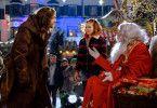 Oh oh: Knecht Ruprecht (Jürgen Vogel, links) ist empört, dass sich auf dem Weihnachtsmarkt ein Schausteller als Nikolaus ausgibt. Kann Hexe Lilli (Hedda Erlebach) Schlimmeres verhindern?