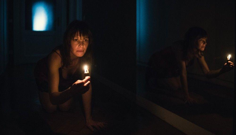 In der Wohnung von Anna und Nick erlebt Mischa (Mona Petri) ebenfalls merkwürdige Dinge.