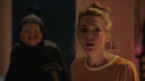 Da ist er wieder, der Killer mit der Maske. Tree (Jessica Rothe) weiß inzwischen, was ihr blüht.