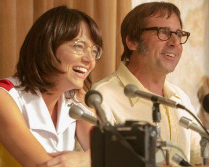 Gute Miene zum bösen Spiel: Bobby Riggs (Steve Carell) hat Billie Jean King (Emma Stone) herausgefordert.