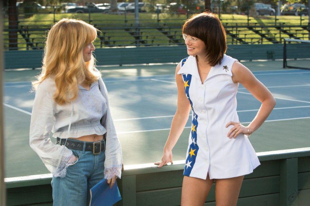 Marilyn (Andrea Riseborough) verdreht Billie Jean King (Emma Stone) den Kopf.