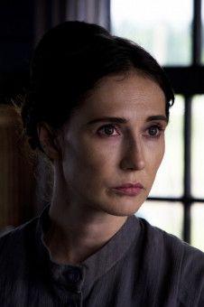 """Und noch ein bekanntes """"Game of Thrones""""-Gesicht: Carice Van Houten spielt in einer Rückblende eine wichtige Rolle."""
