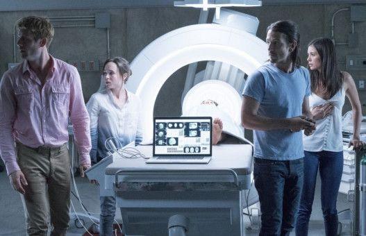 """Beinahe 30 Jahre nach Kiefer Sutherland, Julia Roberts und Kevin Bacon probiert sich nun in Niels Arden Oplevs Remake eine neue Gruppe Medizinstudenten als """"Flatliners""""."""