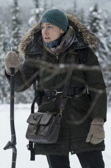 Alex (Kate Winslet) will nicht darauf vertrauen, dass sie gefunden werden - sie würde sich sogar humpelnd auf den Weg durch die Wildnis machen.