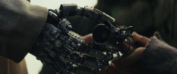 Rey übergibt Luke das Lichtschwert. An diese pathetische Szene schließt sich im Film pure Comedy an.