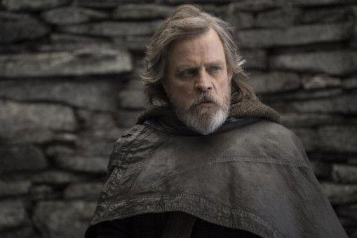 Luke Skywalker (Mark Hamill) suchte einst Zuflucht auf dem Planeten Ahch-To. Nach Jahren im Exil beginnt nun ein neuer Abschnitt für ihn.