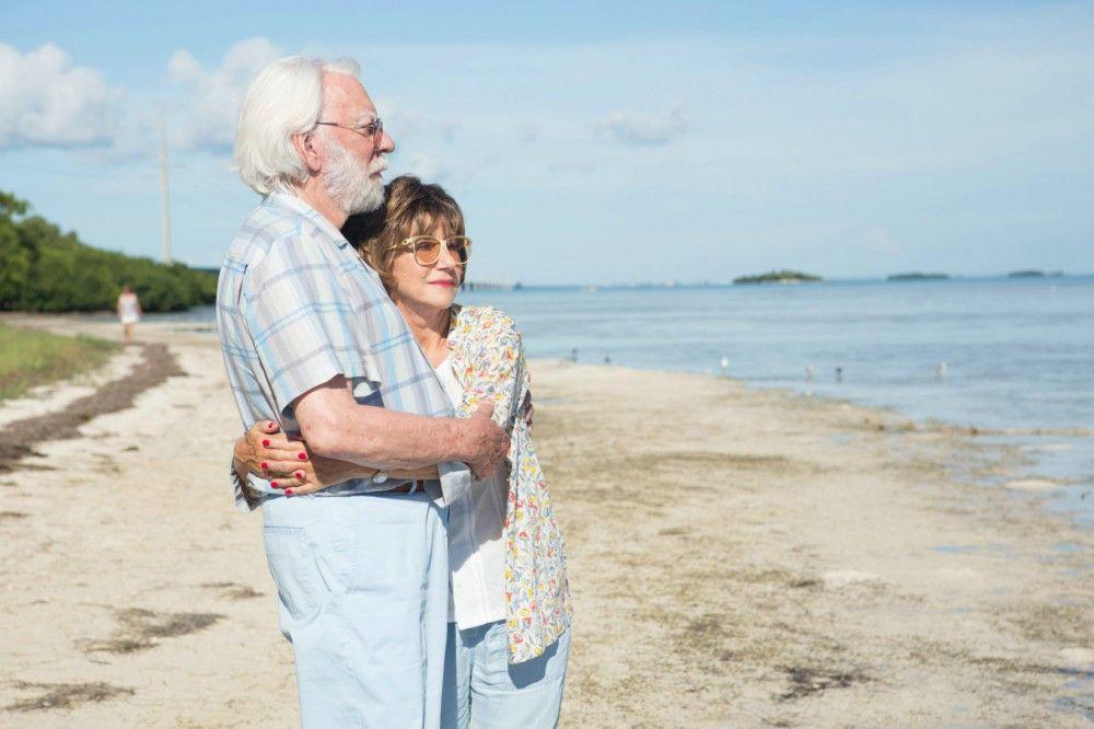 John (Donald Sutherland) und Ella (Helen Mirren) sind seit fünfzig Jahren verheiratet.