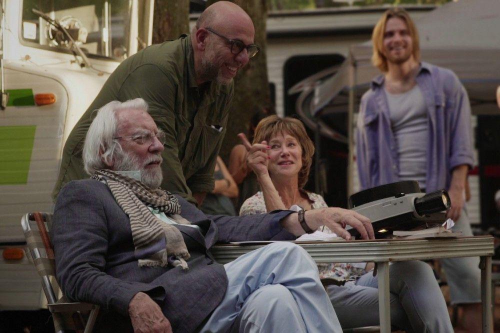 Regisseur Paolo Virzì (Mitte) und seine beiden Hauptdarsteller Donald Sutherland und Helen Mirren am Set.