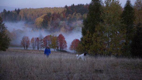 Die Vegetarierin, Tierschützerin und Hobby-Astrologin Duszejko (Agnieszka Mandat) versucht im Einklang mit der Natur zu leben.