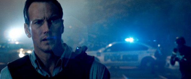 Während Michael durch den Pendlerzug hetzt, hält sein Ex-Kollege Murphy (Patrick Wilson) draußen die Stellung.