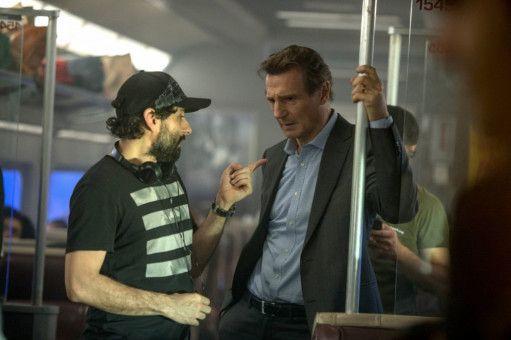 """Regisseur Jaume Collet-Serra (links) muss Liam Neeson eigentlich nicht mehr viel erklären: """"The Commuter"""" ist ihr vierter gemeinsamer Film."""