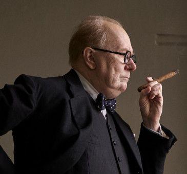 Gary Oldman gilt für seine bemerkenswerte Darstellung von Winston Churchill als Oscar-Favorit.