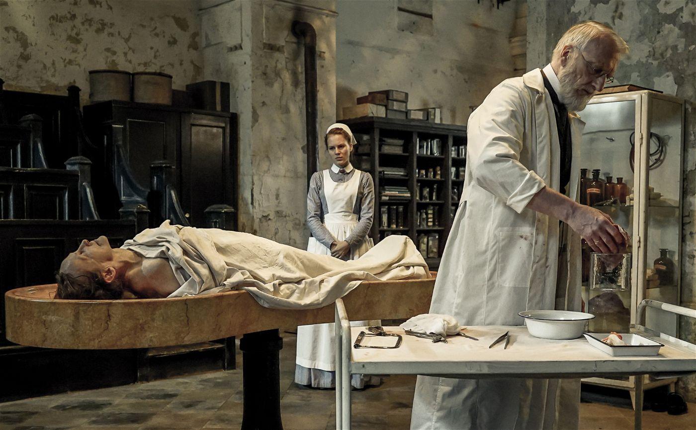 """Die zweite Staffel der medizinhistorischen Serie """"Charité"""" wird noch 2018 in der ARD ausgestrahlt."""